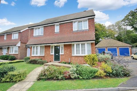 4 bedroom detached house for sale - Sycamore Drive, Burgess Hill, West Sussex