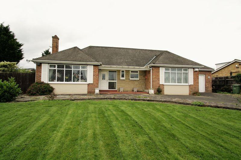 2 Bedrooms Detached Bungalow for sale in Darlington Lane, Stockton, TS19 0PJ