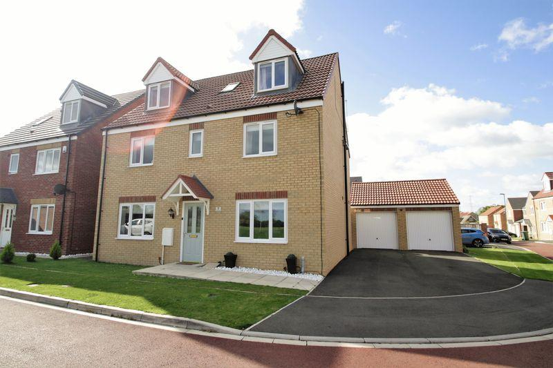 5 Bedrooms Detached House for sale in Fritillary Place, The Elms, Norton, TS21 3LZ