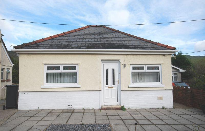 3 Bedrooms Detached Bungalow for sale in 8 Lletty Dafydd, Clyne, Neath, SA11 4BG