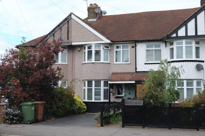 3 Bedrooms Terraced House for sale in Hurst Road, Bexley