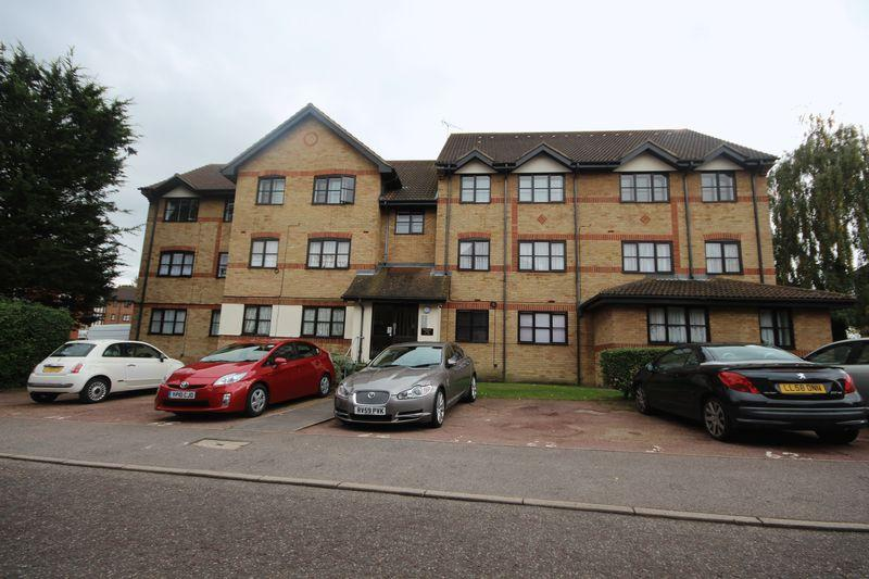 2 Bedrooms Apartment Flat for sale in Hardwick Crescent, Dartford