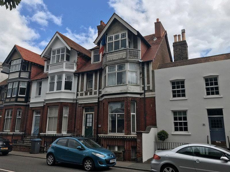 5 Bedrooms Terraced House for sale in Walmer