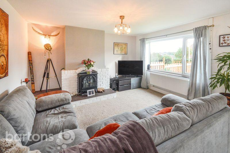 3 Bedrooms Semi Detached House for sale in Saville Road, Whiston, Rotherham