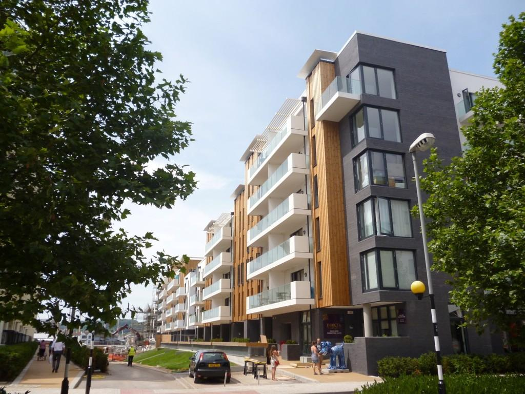 2 Bedrooms Apartment Flat for rent in Harbourside, Millennium Promenade, Invicta BS1 5SY