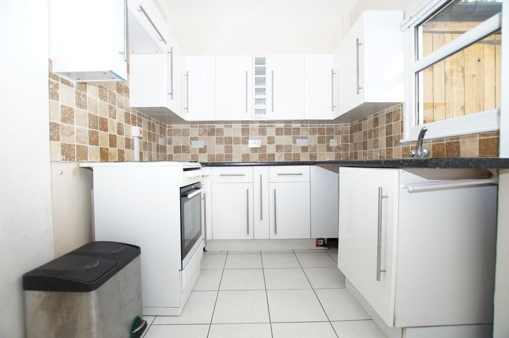 2 Bedrooms End Of Terrace House for sale in Trafalgar Terrace, Scarborough