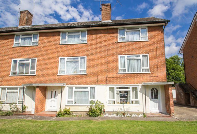 2 Bedrooms Apartment Flat for sale in Mitchley Avenue, Sanderstead, Surrey