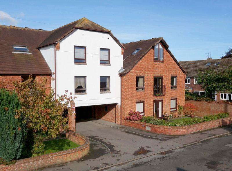 1 Bedroom Apartment Flat for sale in Croft Road, Thame