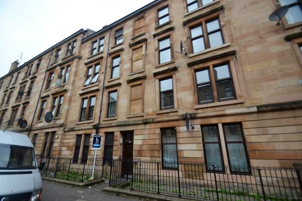 2 Bedrooms Flat for sale in Garturk Street, Govanhill, G42