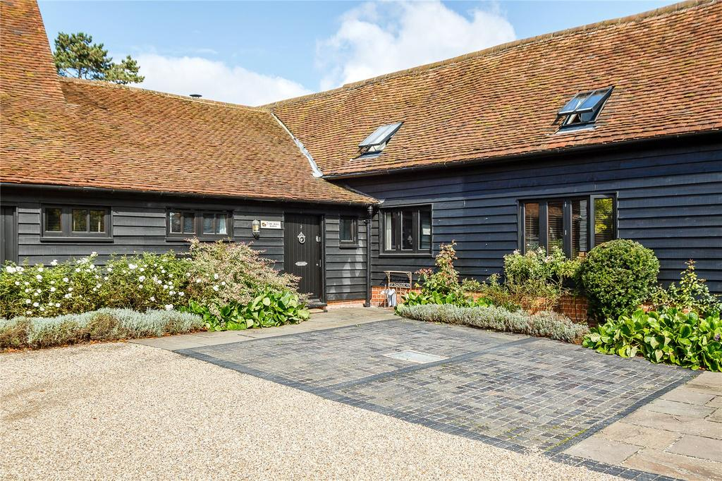 4 Bedrooms House for sale in The Hall Barns, Bentfield Road, Stansted, Essex, CM24