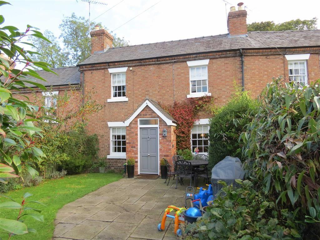 2 Bedrooms Terraced House for sale in Lorne Terrace, Coleham, Shrewsbury, Shropshire