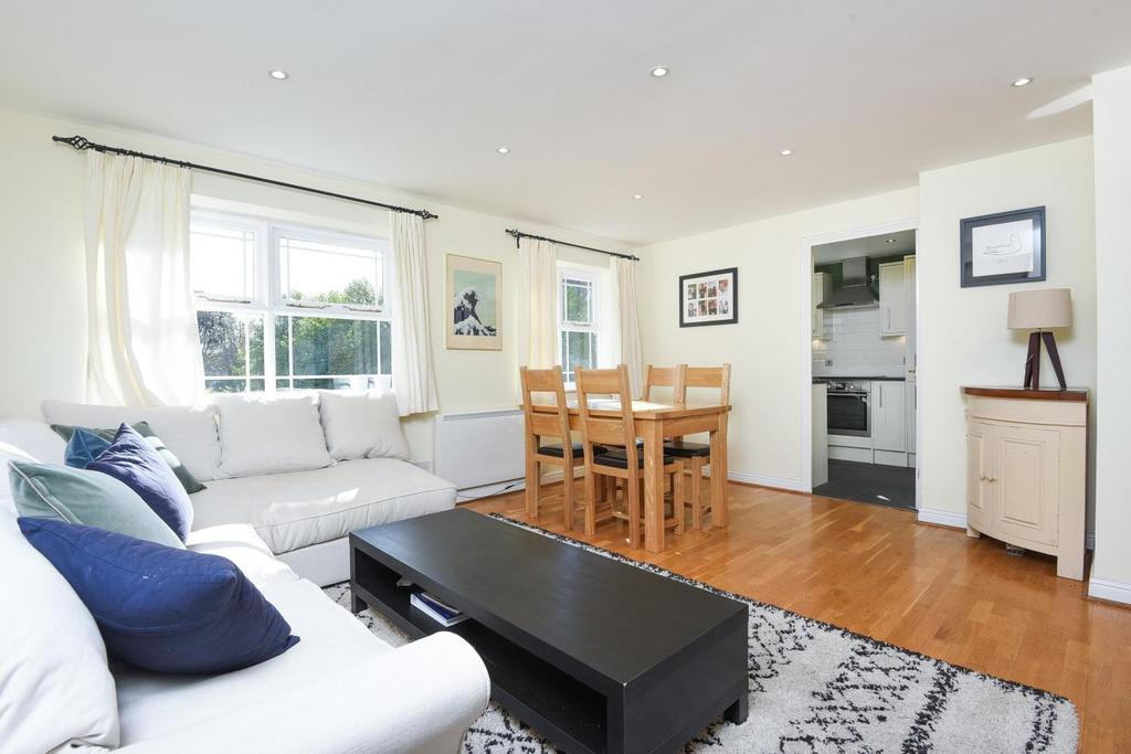 2 Bedrooms Flat for sale in Stott Close, Wandsworth