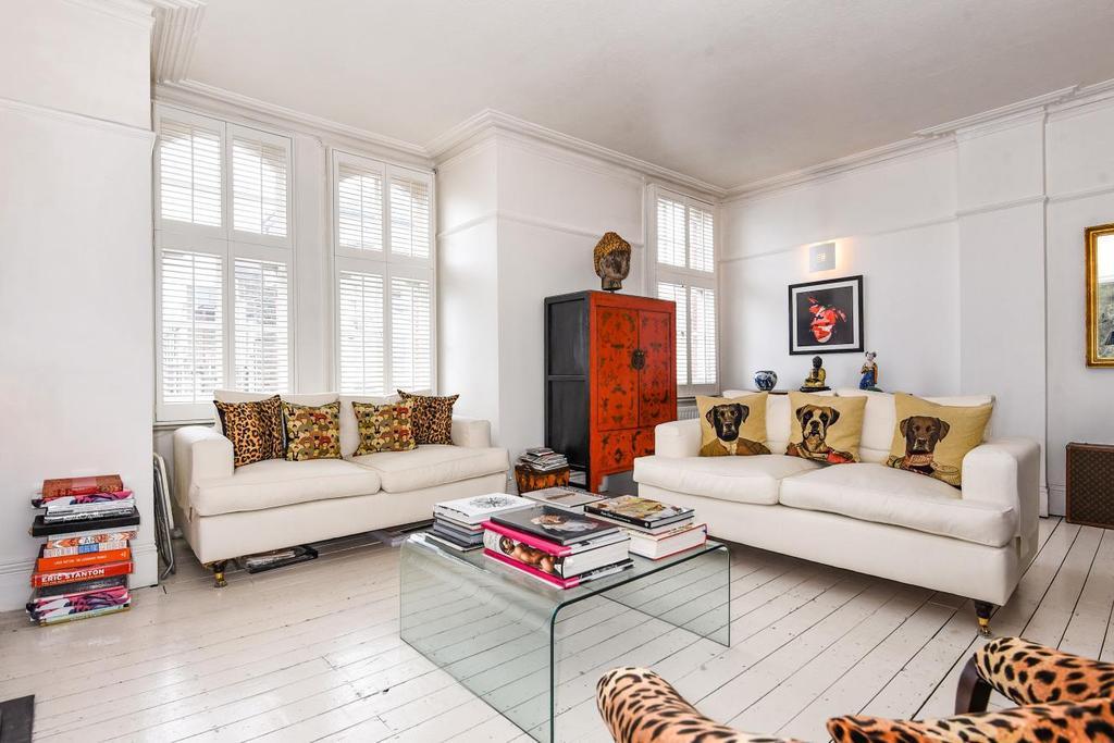 3 Bedrooms Flat for sale in Challoner Street, West Kensington