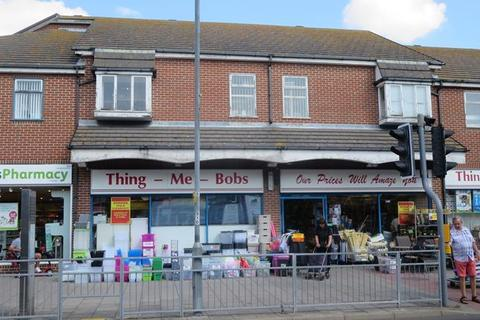Retail property (high street) to rent - 22-24 West Avenue, Clacton-on-sea, Essex