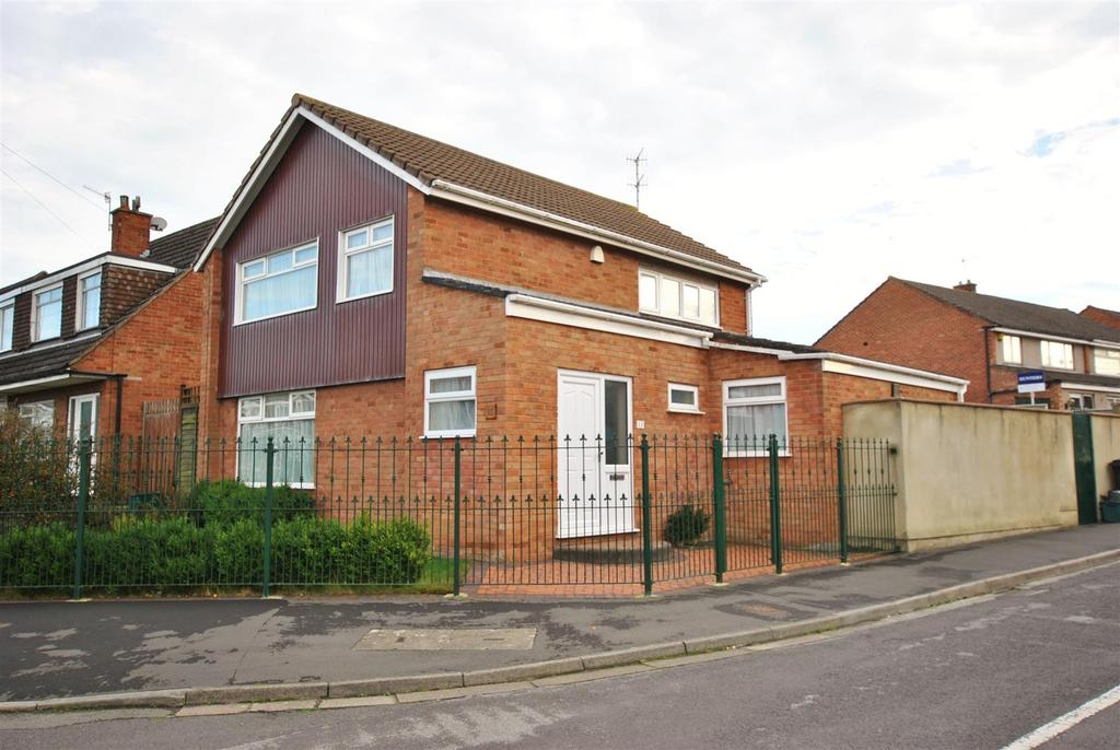 3 Bedrooms Detached House for sale in Belland Drive, Whitchurch