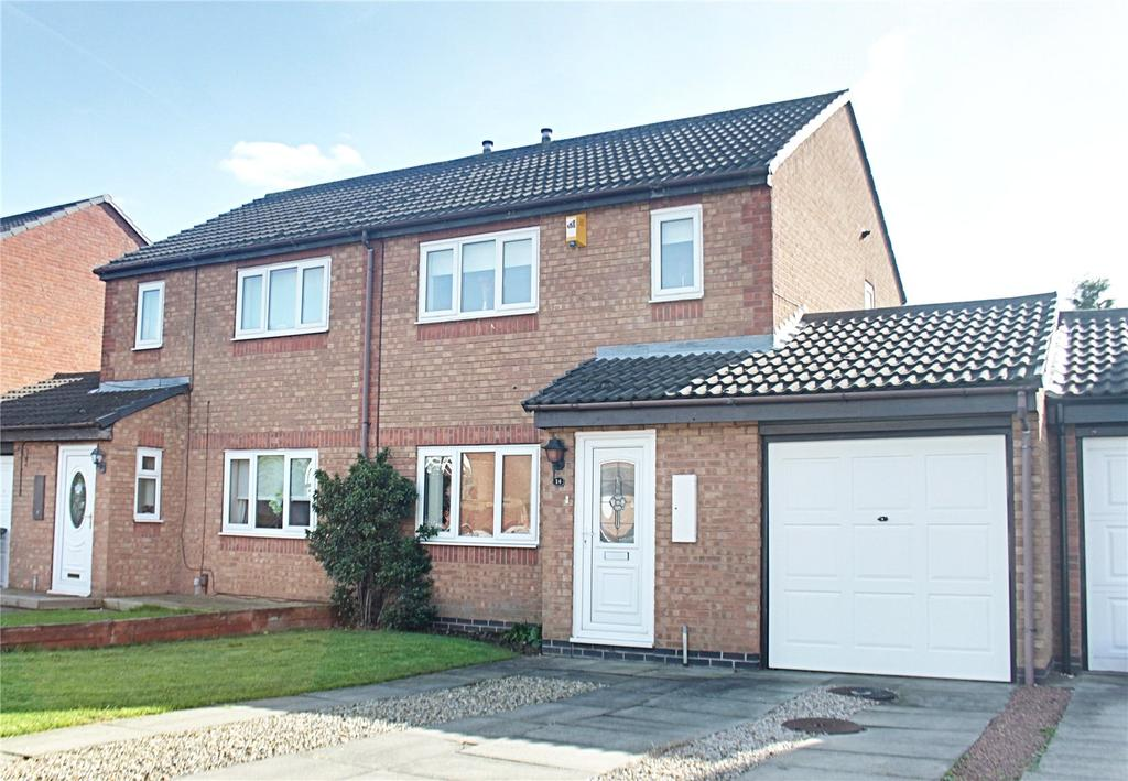 3 Bedrooms Semi Detached House for sale in Cragside Court, Ingleby Barwick