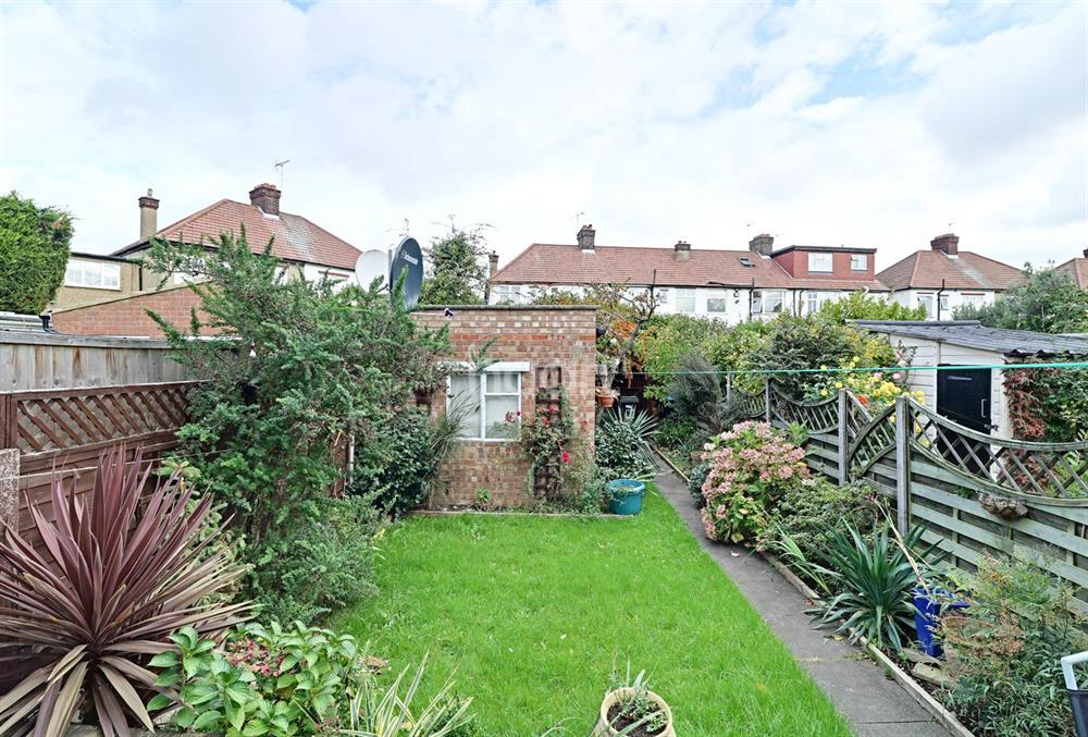 4 Bedrooms Terraced House for sale in Blakesware Gardens, Edmonton, N9