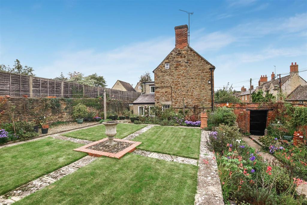 3 Bedrooms Detached House for sale in South Side, Steeple Aston