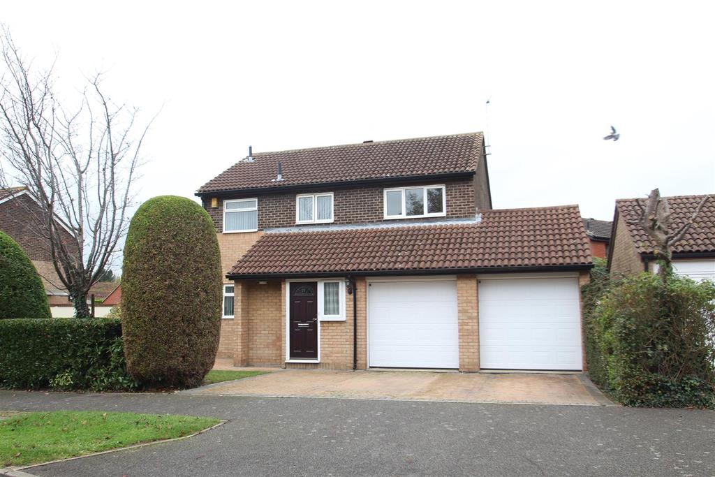 4 Bedrooms Detached House for sale in Oxman Lane, Greenleys, Milton Keynes