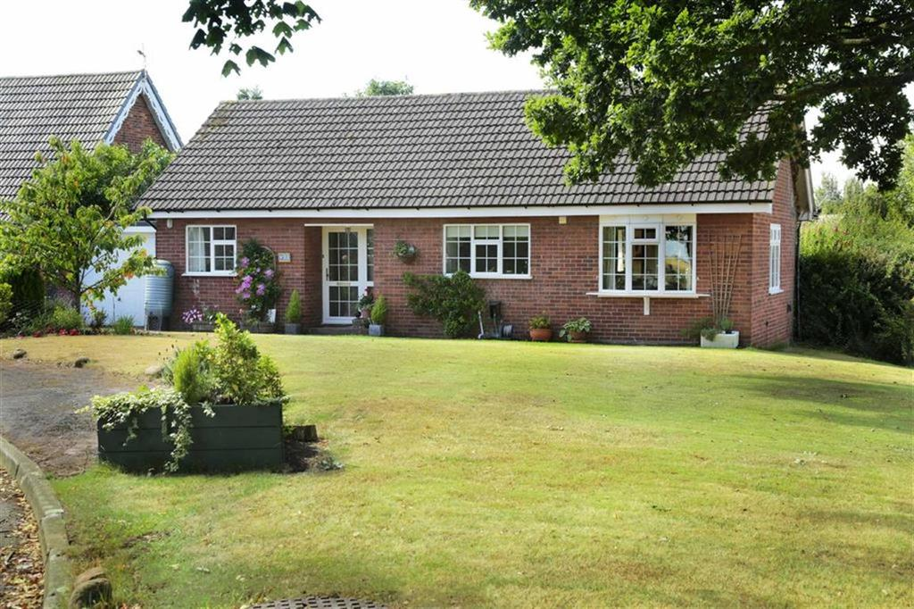2 Bedrooms Detached Bungalow for sale in Moorsfield Avenue, Audlem Crewe, Cheshire