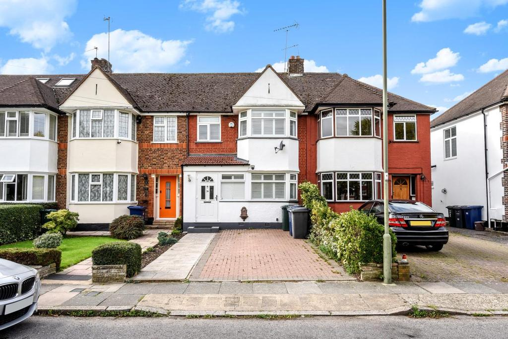 3 Bedrooms Terraced House for sale in West Walk, Barnet