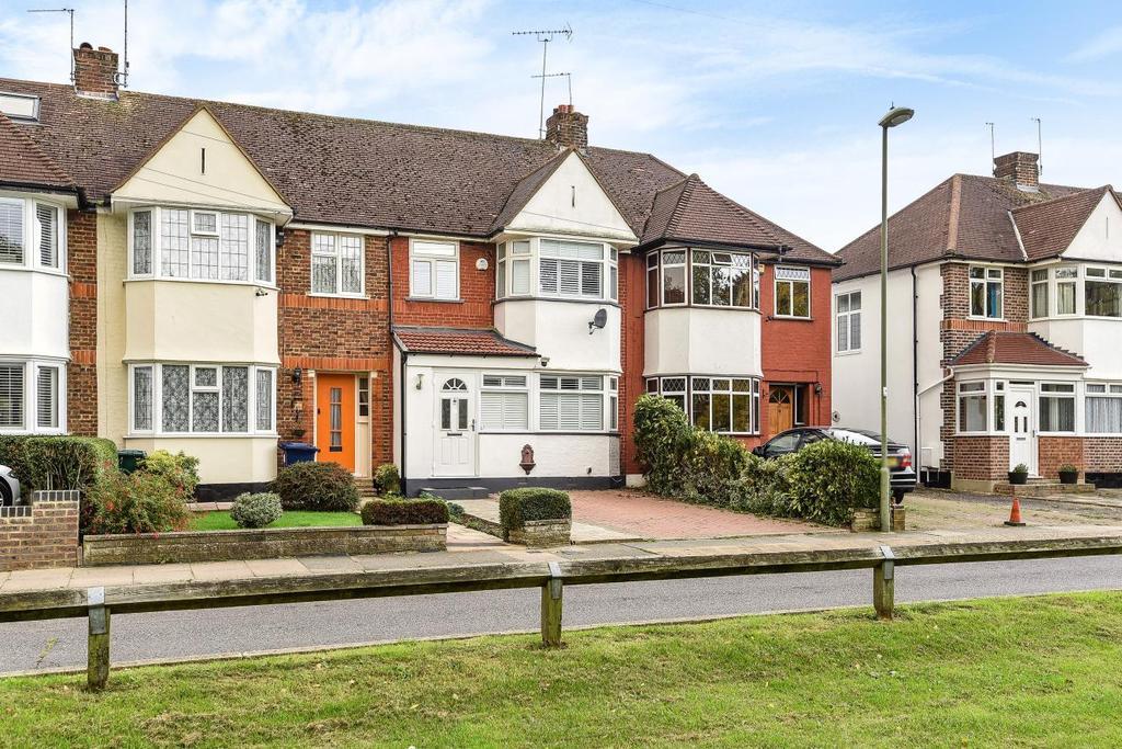 3 Bedrooms Terraced House for sale in West Walk, Barnet