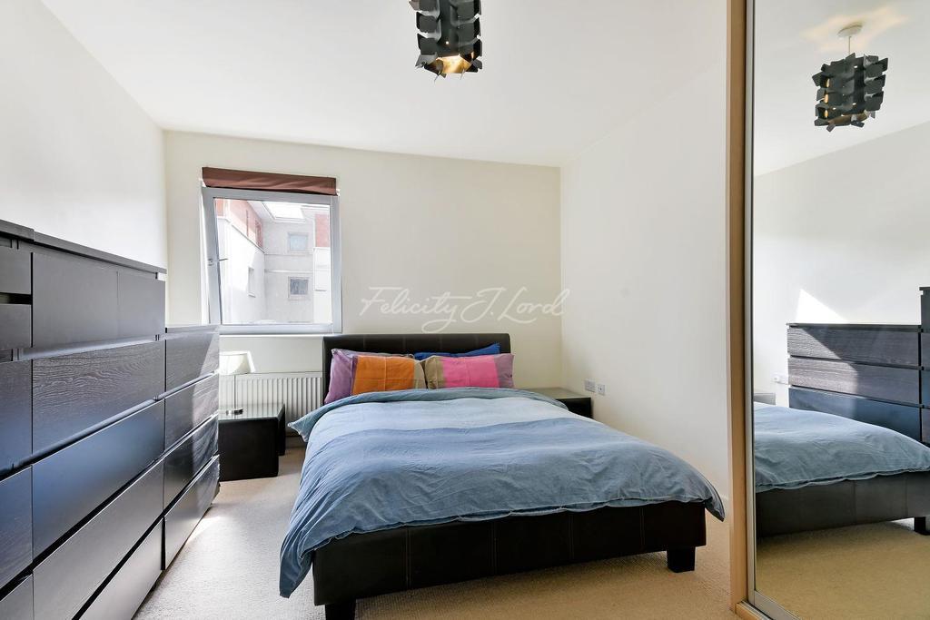 1 Bedroom Flat for sale in Kira Building, E3