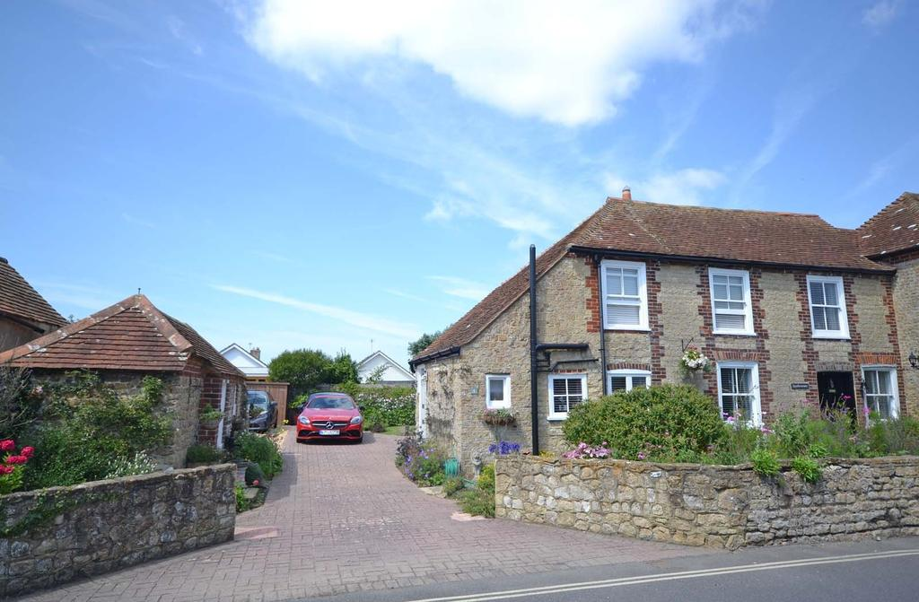 2 Bedrooms Terraced House for sale in Albion Road, Selsey, PO20