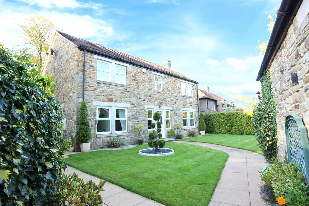 4 Bedrooms Detached House for sale in Wells Green, Barton, Richmond