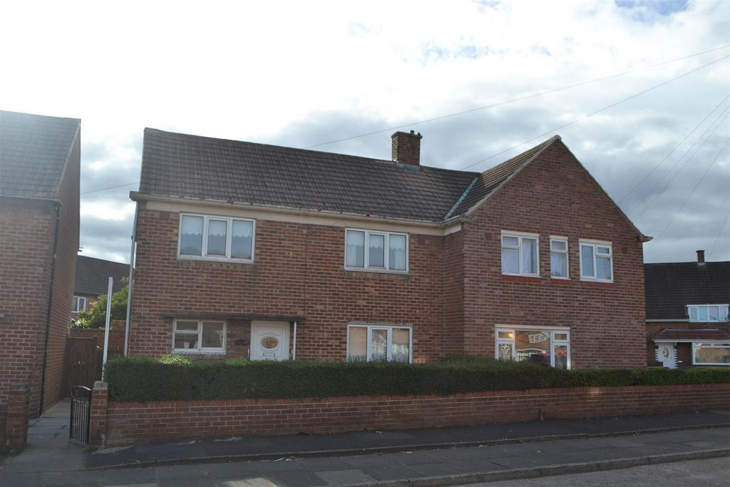3 Bedrooms Semi Detached House for sale in Campbell Road, Hylton Castle, Sunderland