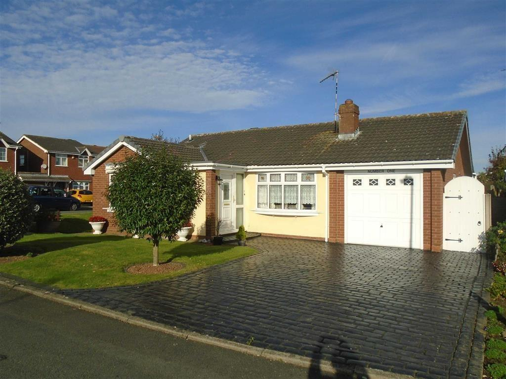 2 Bedrooms Detached Bungalow for sale in Muirfield Close, Thornhill, Nuneaton, Warwickshire, CV11