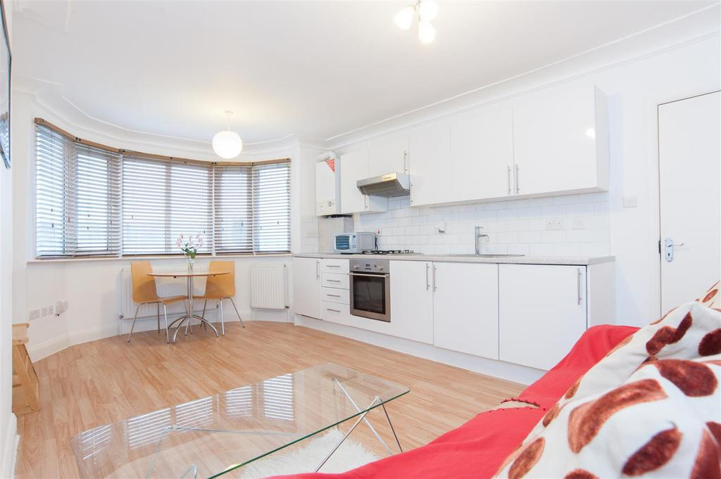 1 Bedroom Flat for sale in Highfield Avenue, London