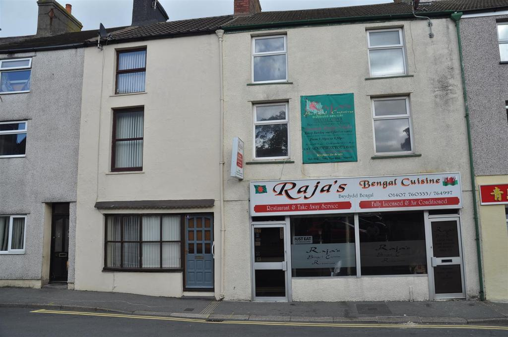 4 Bedrooms Apartment Flat for sale in Newry Street, Holyhead