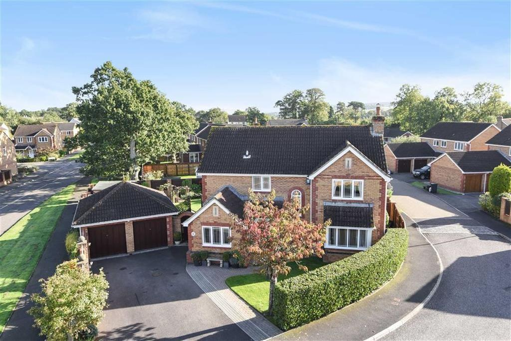 4 Bedrooms Detached House for sale in Worcester Crescent, Willand, Cullompton, Devon, EX15