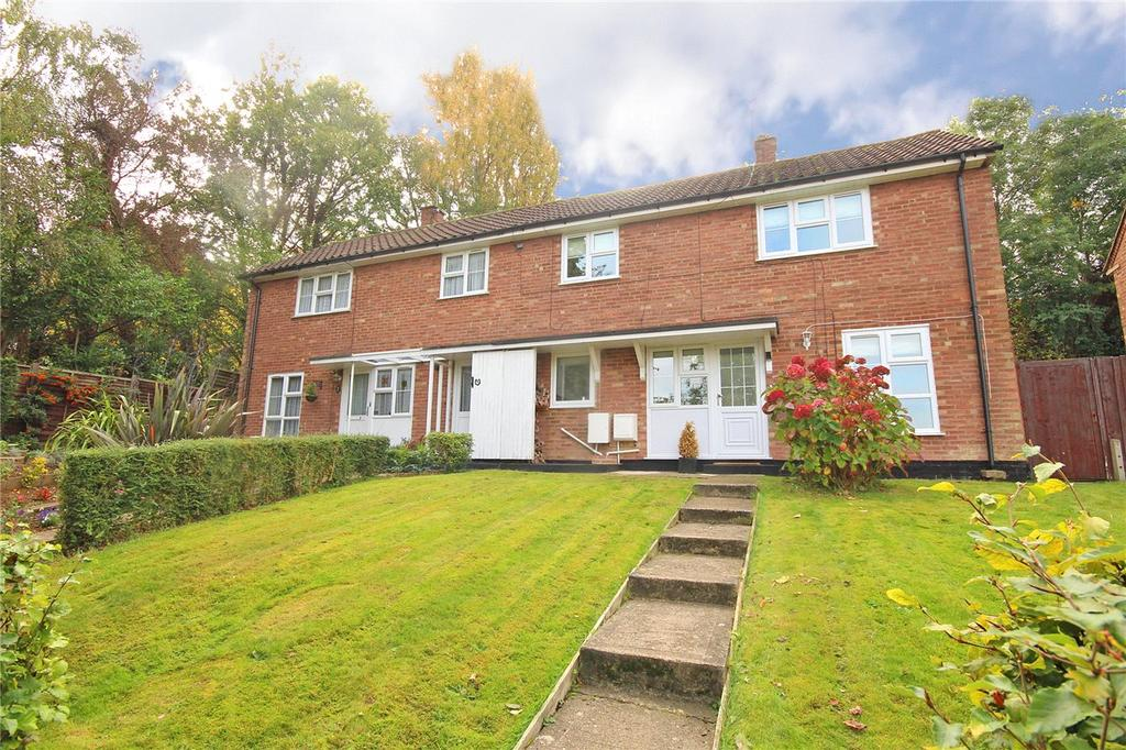 3 Bedrooms Semi Detached House for sale in Greenfield, Welwyn Garden City, Hertfordshire