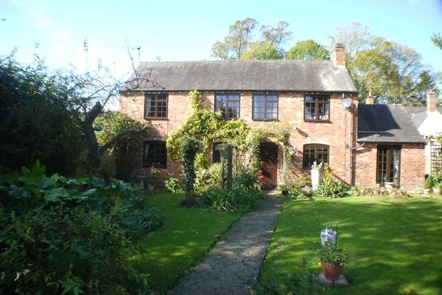 3 Bedrooms Detached House for sale in Stable Cottage, The Green, Lubenham, Market Harborough, LE16