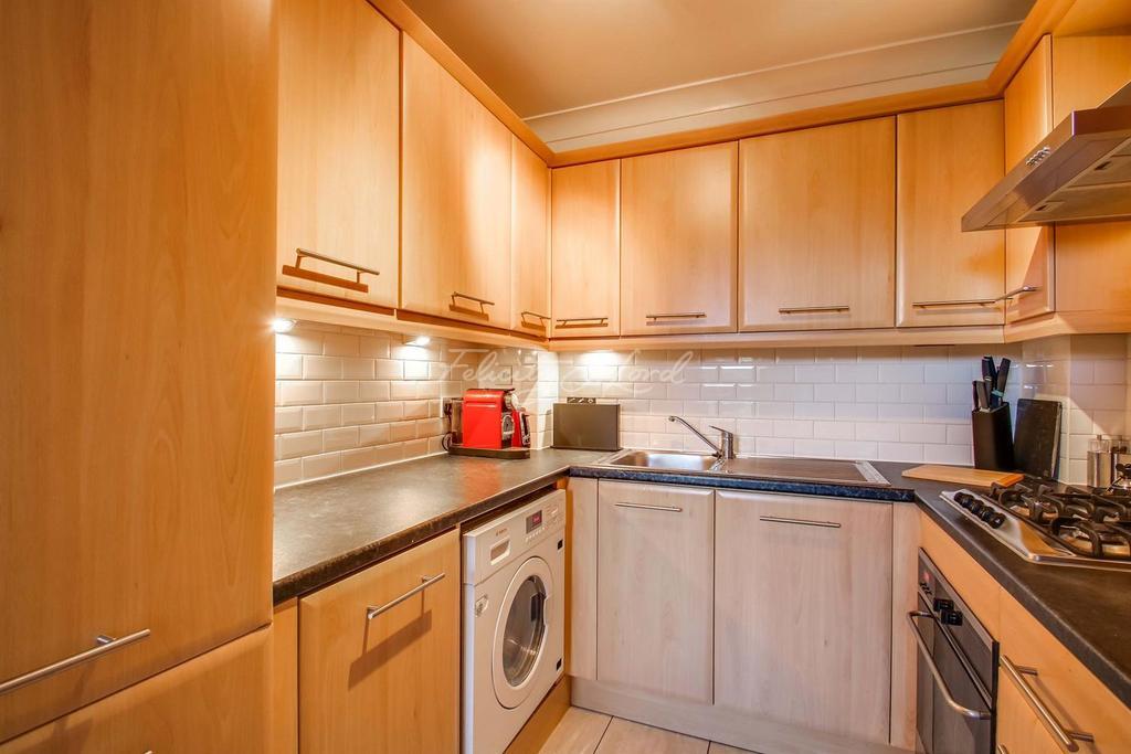 2 Bedrooms Flat for sale in Leeward Court, E1W