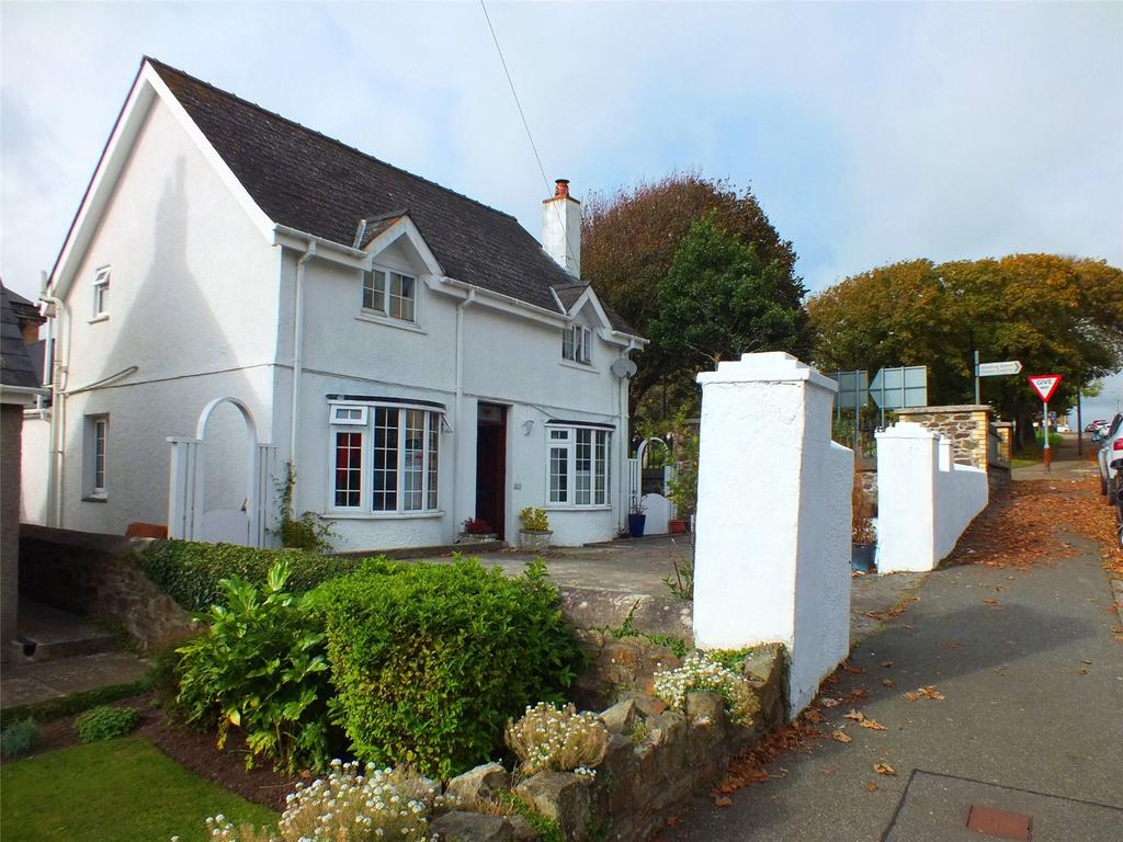4 Bedrooms Detached House for sale in Sandhurst Road, Milford Haven, Pembrokeshire