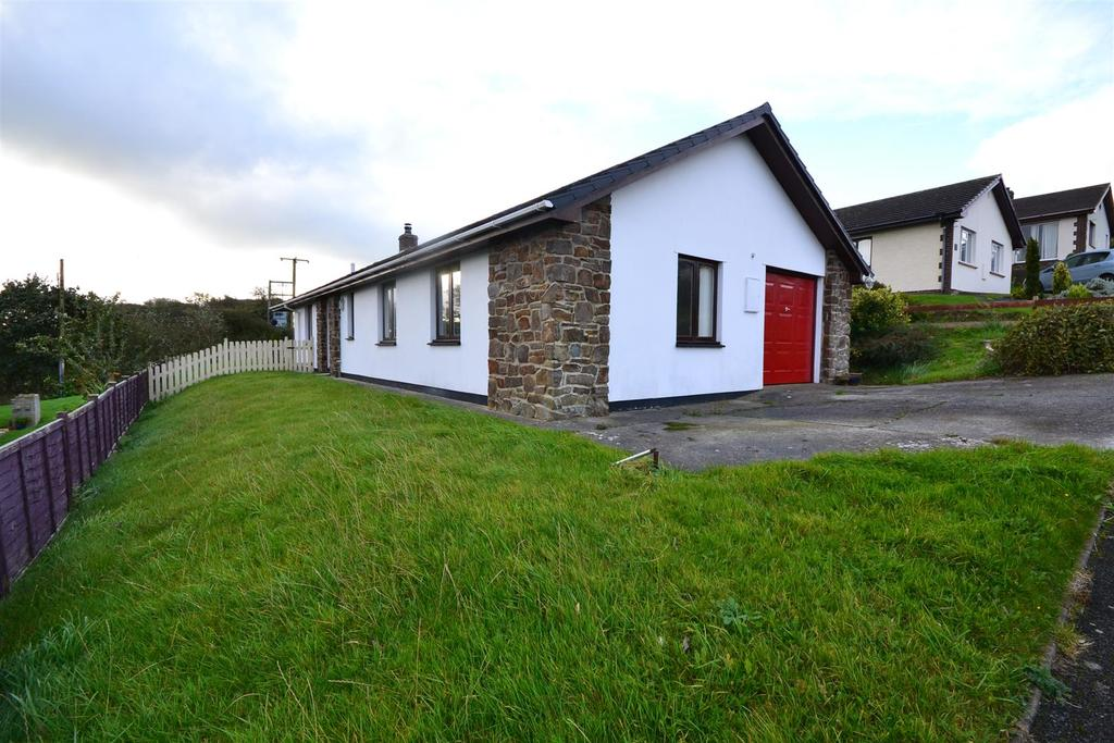 3 Bedrooms Detached Bungalow for sale in Aberaeron
