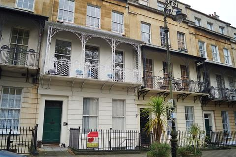 3 bedroom flat to rent - Caledonia Place, Clifton, Bristol