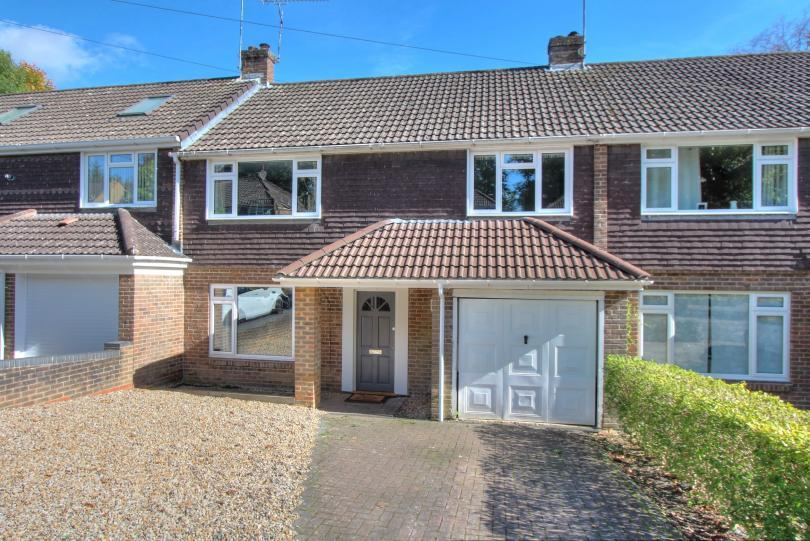 4 Bedrooms Terraced House for sale in Malcolm Close, Hiltingbury, Chandlers Ford