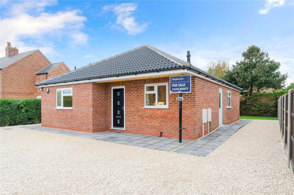 3 Bedrooms Detached Bungalow for sale in Leas Road, Great Hale, Sleaford, Lincolnshire, NG34