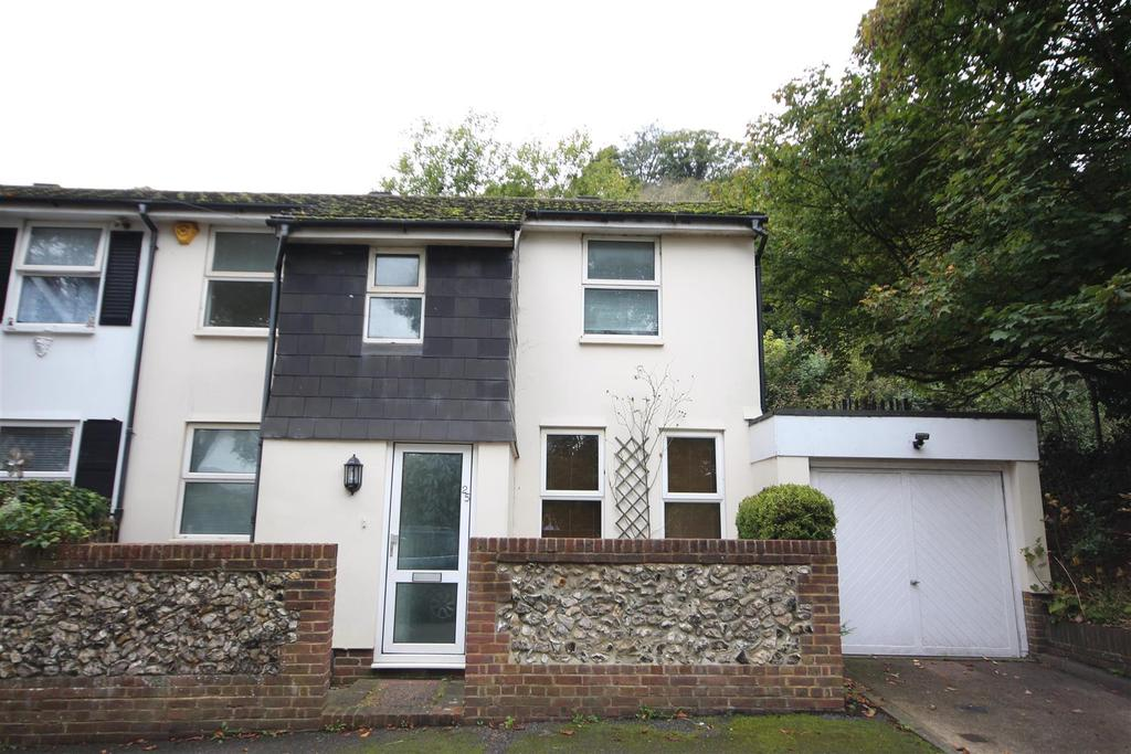 2 Bedrooms End Of Terrace House for rent in Station Road, Preston, Brighton