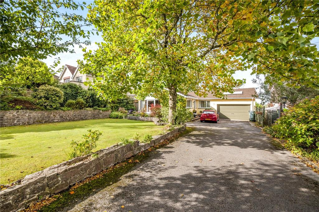 4 Bedrooms Detached Bungalow for sale in Townstal Pathfields, Dartmouth, TQ6