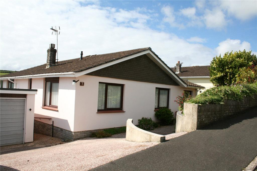 3 Bedrooms Detached Bungalow for sale in Churchfields West, Dartmouth, TQ6