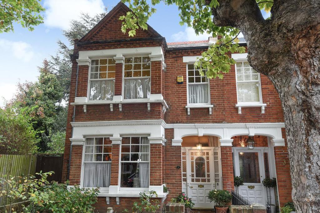 3 Bedrooms Semi Detached House for sale in Wavendon Avenue, Chiswick