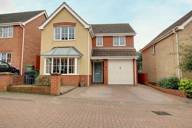 4 Bedrooms Detached House for sale in Masefield Mews, Dereham