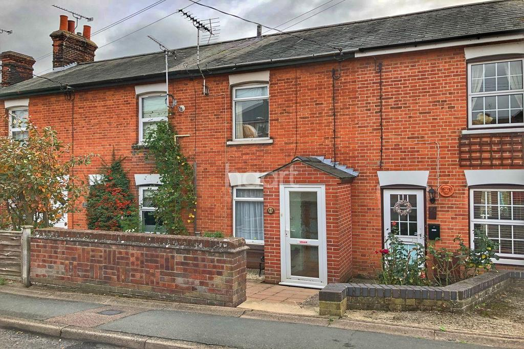 2 Bedrooms Terraced House for sale in Colchester Road, Lawford, Manningtree, Essex