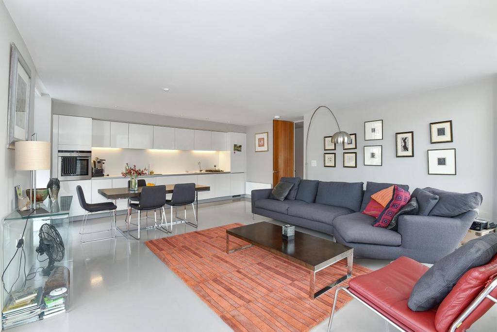 2 Bedrooms Flat for sale in Trundle Street, Borough