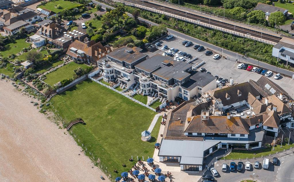 3 Bedrooms Flat for sale in Herbrand Walk, Bexhill-On-Sea